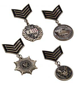 Lot de Quatre Médailles style Militaire