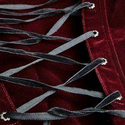 Veste Queue de Pie 'Bloodborne' en Velours Rouge Sang